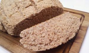 Dinkel-Erdnuss-Brot
