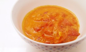 Tomaten-Erdnuss-Suppe