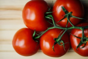 food-wood-tomatoes-large
