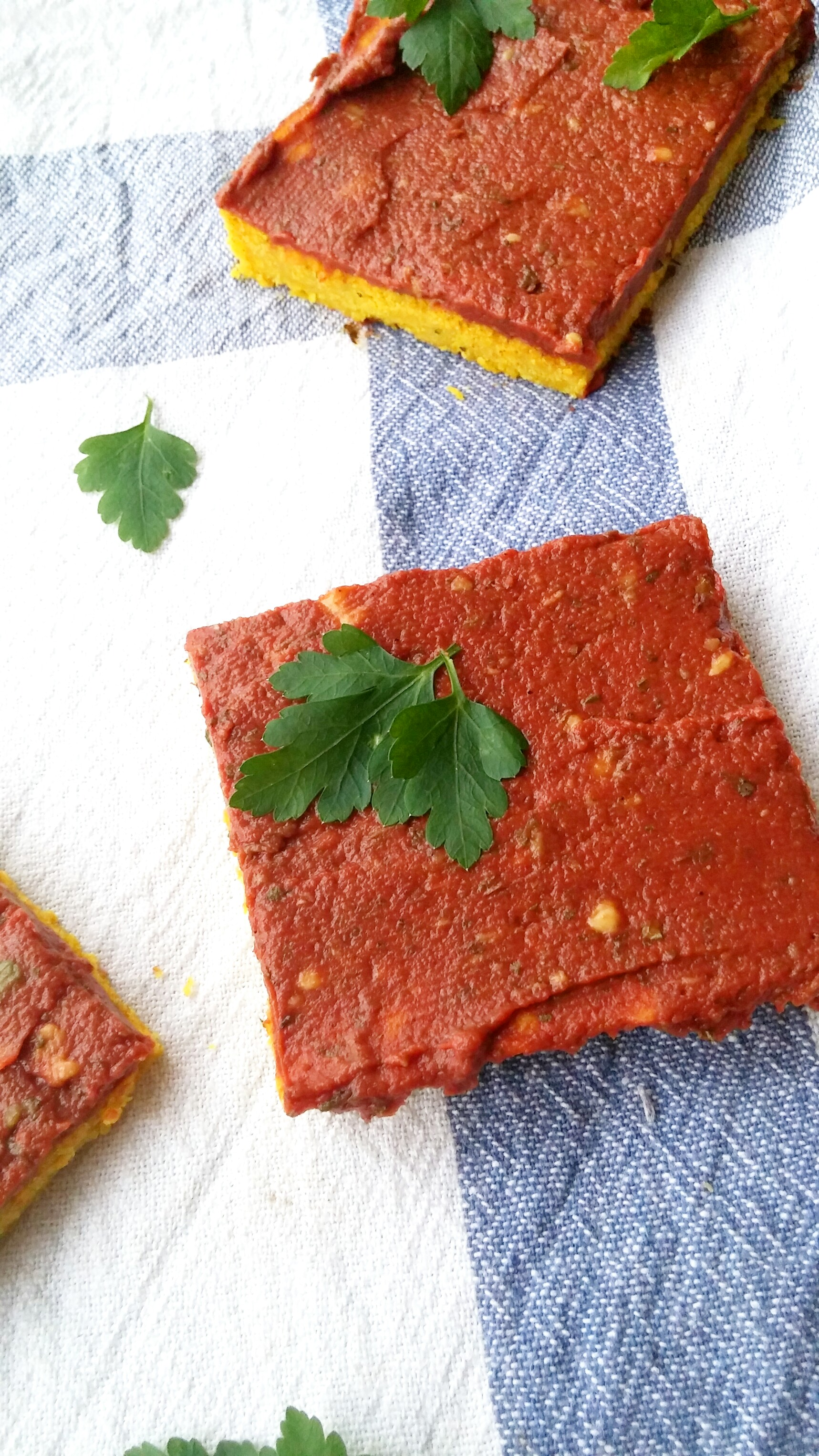 Farinata mit Tomatencreme