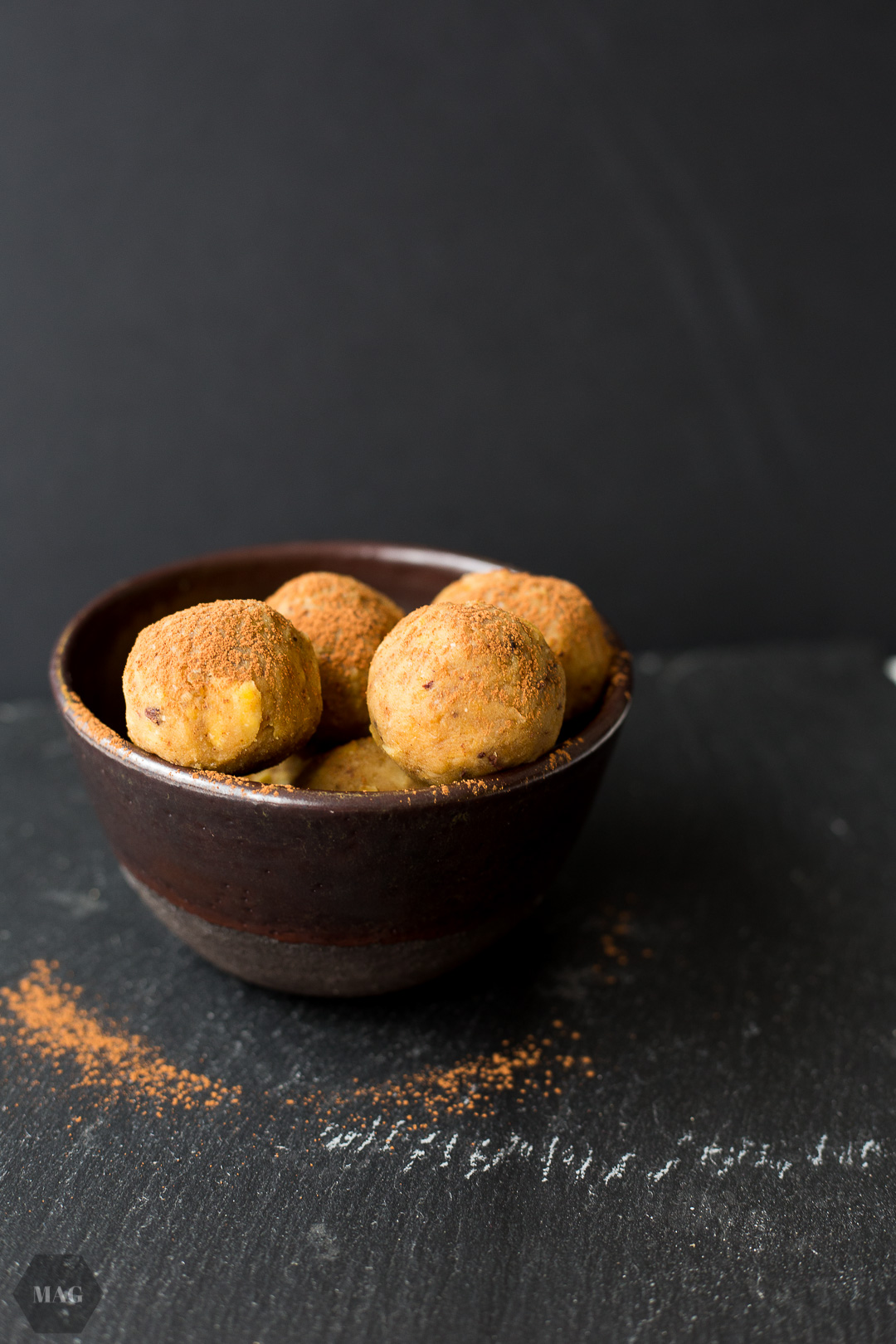 Cookie Dough Balls, Cookie Dough Bites, Cookie Dough, Kichererbsenbällchen, Cookie Dough vegan, cookie dough pralinen, cookie dough aus kichererbsen, cookie dough hummus