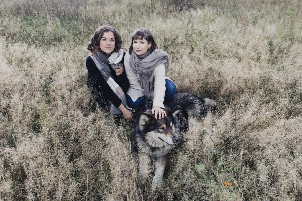 modus intarsia, Modus Intarsia, Hundewolle, Chiengora, Fair Fashion, Nachhaltige Mode, Faire Mode Deutschlad, Made in Germany fair fashion, Wolle aus Hunden, Wolle von Hunden, Hundehaare Textilien, Stricken Garn nachhaltig