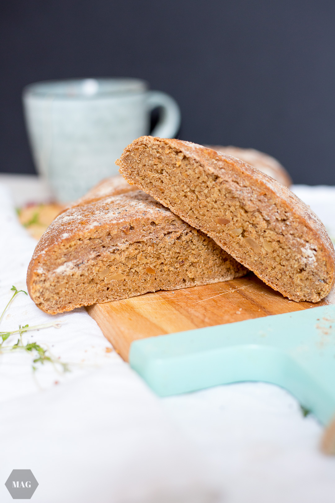 Teffbrot, Nuss-Brot, veganes Nuss-Brot, Nussbrot, veganes Brot, Teffmehl, Teffbrot, Nussbrot mit Teffmehl, Dinkelvollkornbrot, veganes Dinkelbrot, Dinkel-Teff-Brot