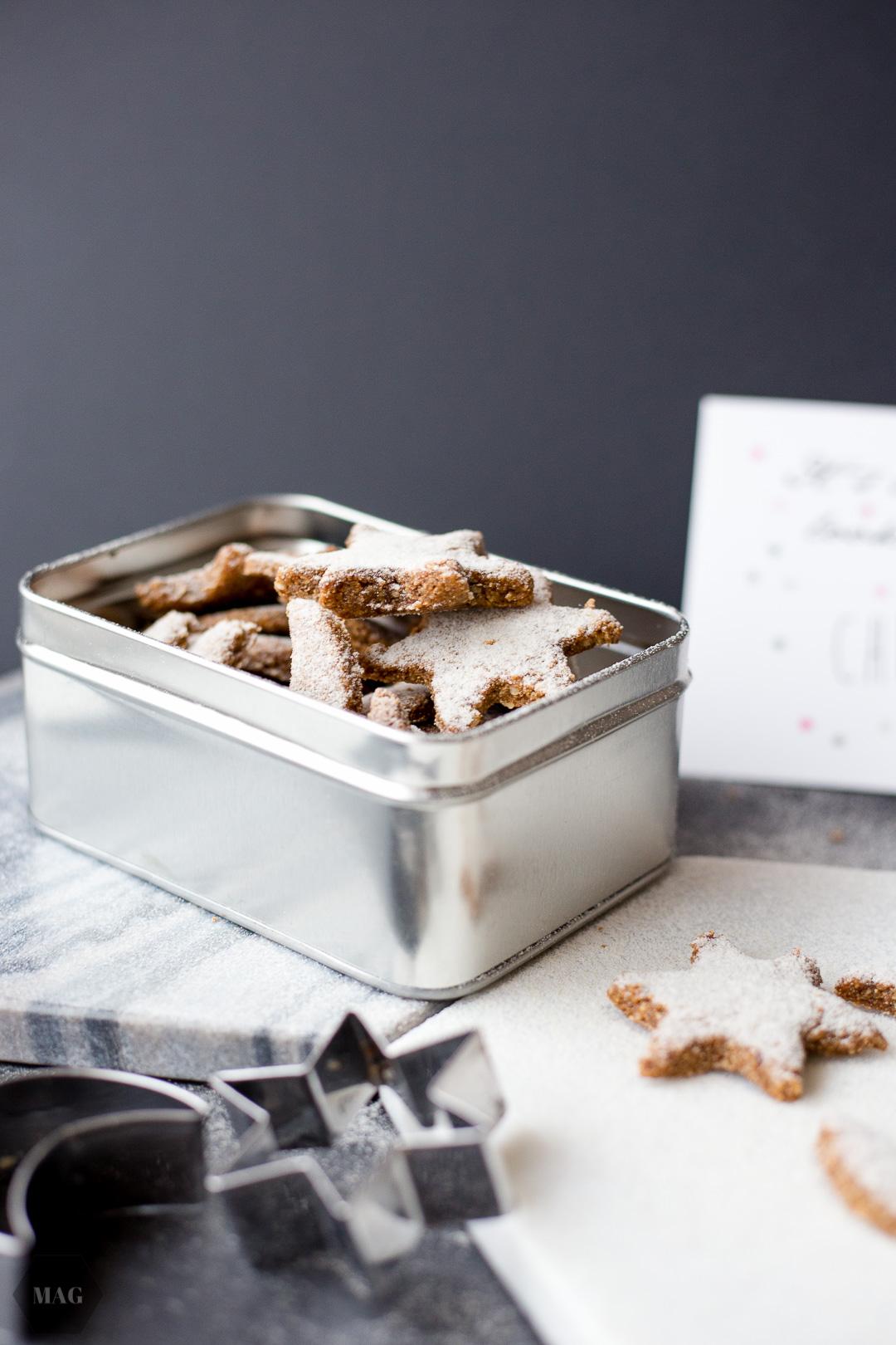 Nuss-Vanille-Kekse, Weihnachtskekse, vegane Kekse, Nusskekse, vegane Kekse mit Mandelmus, Nuss-Sterne, Ausstechplätzchen vegan