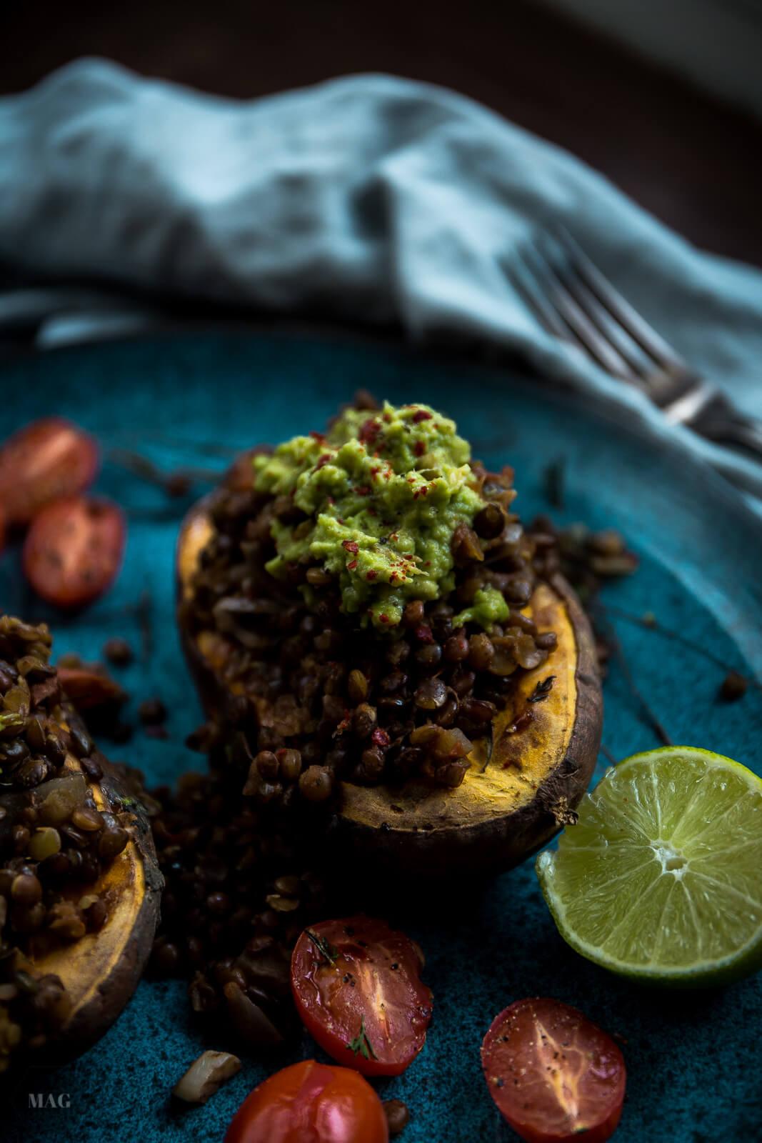 süßkartoffeln ofen, süßkartoffeln mit linsentopping und avocadocreme, süßkartoffeln aus dem ofen, süßkartoffeln mit linsentopping, süßkartoffeln vegan, süßkartoffeln braten, süßkartoffeln zubereiten, süßkartoffeln rezept