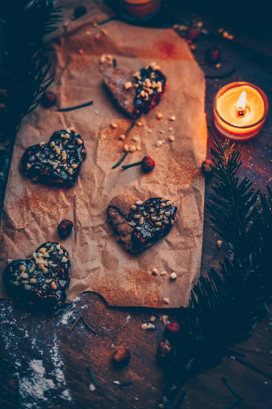 Haselnuss kekse, Haselnusskekse, Haselnuss Ausstecherle, Haselnusskekse, Haselnuss Kekse vegan, vegan Ausstecherle, vegane Kekse, Kekse vegan Nuss, Nusskekse vegan, Nusskekse Haselnuss, Cookies Weihnachten vegan, Weihnachtskekse vegan, Weihnachtskekse mit Nuss, nussige Kekse, Weihnachtskekse vegan Haselnuss