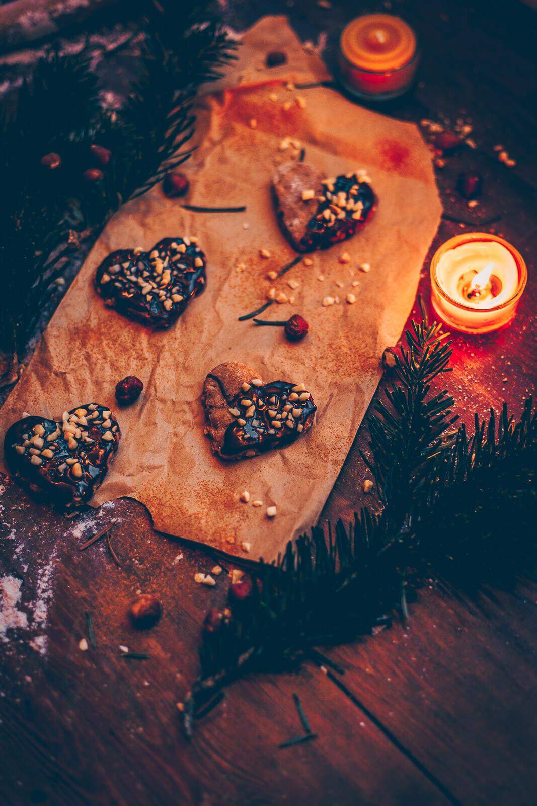 Haselnuss kekse, Haselnusskekse, Haselnuss-Ausstecherle, Haselnusskekse, Haselnuss Kekse vegan, vegan Ausstecherle, vegane Kekse, Kekse vegan Nuss, Nusskekse vegan, Nusskekse Haselnuss, Cookies Weihnachten vegan, Weihnachtskekse vegan, Weihnachtskekse mit Nuss, nussige Kekse, Weihnachtskekse vegan Haselnuss