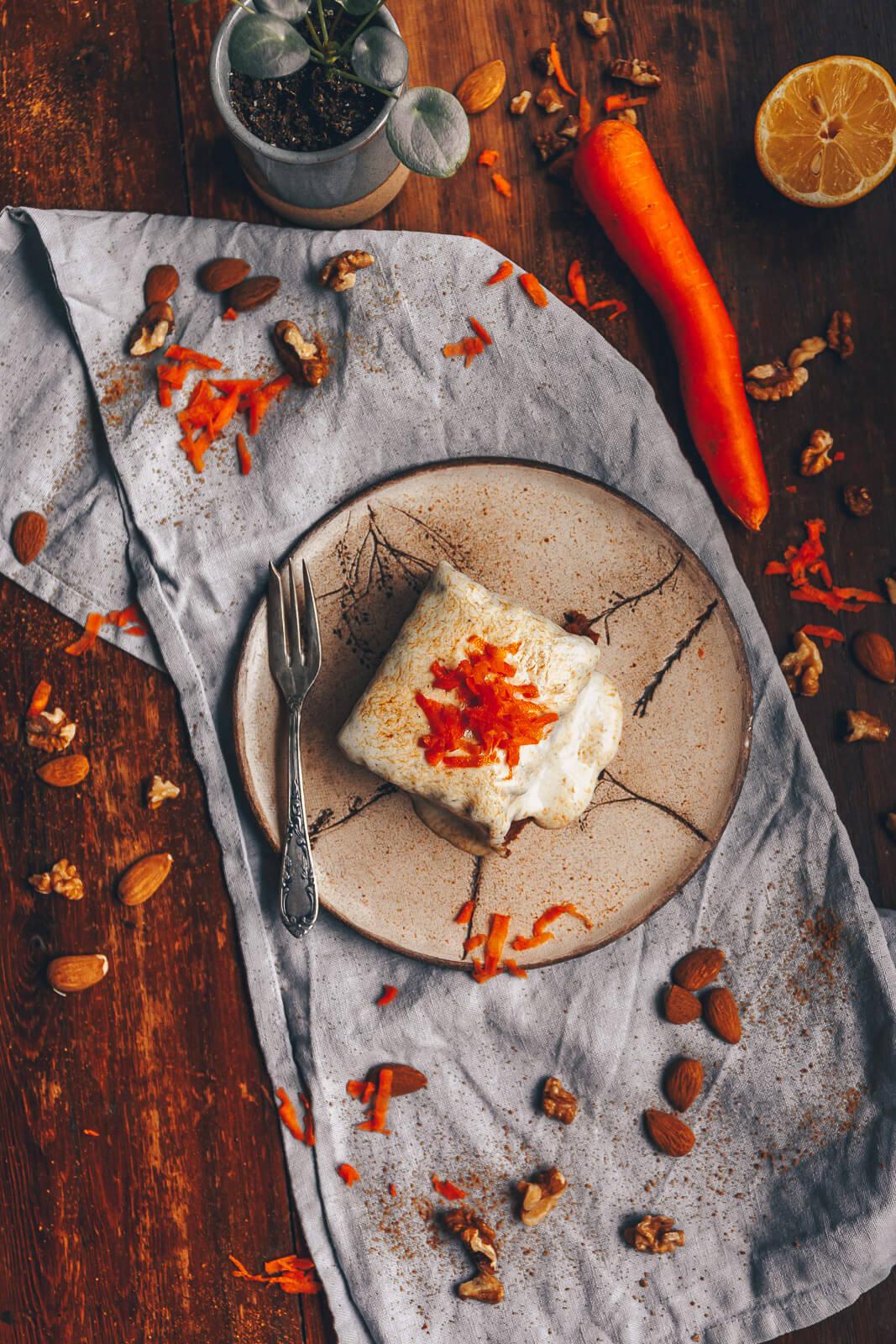 Karottenkuchen, Möhrenkuchen einfach, Kuchen Ostern vegan, Kuchen Ostern Karotten, Kuchen Möhren Ostern vegan, veganer Karottenkuchen Ostern, veganer Kuchen Ostern, Kuchen vegan Karotten Ostern, einfacher Möhrenkuchen vegan, Karottenkuchen vegan einfach