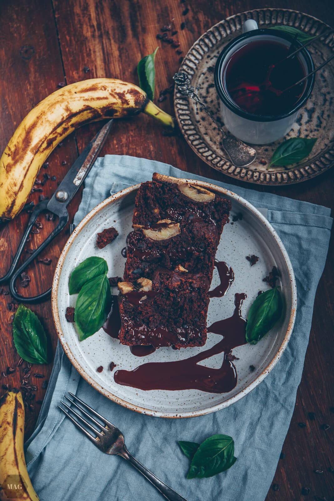 Schoko-Bananen-Brot, Schokobananenbrot, Schoko Bananen Brot, Bananen Brot vegan, Schoko Bananen Brot vegan, Bananen Brot mit Kakao, Bananenbrot ohne Ei, Bananen aufbrauchen Rezept, Bananen Brot Rezept, Schoko Bananen Brot Rezept, Schoko Bananen Brot gesund