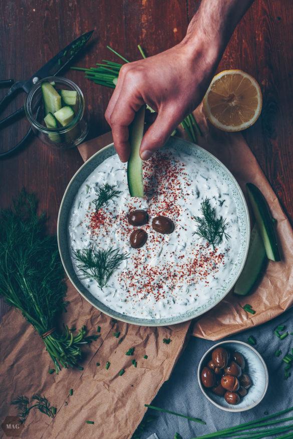 tzatziki, tzatziki vegan, veganes tzatziki sojajoghurt, tzatziki wie beim Griechen vegan, vegan Dip, vegan Soja Dip, Vegan Grill Dip, vegan grillen